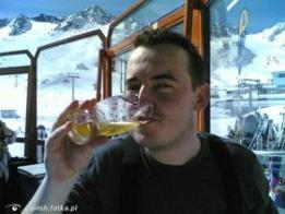 Najładniejsze zdjęcie użytkownika clavish - (2007) STUBAI - piwko na stoku ;P