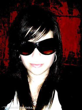 Najładniejsze zdjęcie użytkownika iloncia1989 - w okularkach  xD
