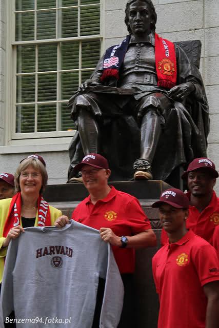Wizyta United na Uniwersytecie Harwarda! - MANCHESTER UNITED - OD KOŁYSKI AŻ PO GRÓB - zdjęcie 2
