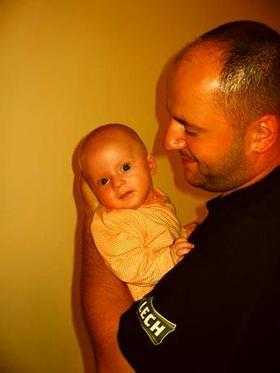 Najładniejsze zdjęcie użytkownika samotnyposzukiwacz - z siostrzencem :d
