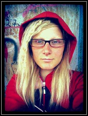 AmandaMathersLoco, fotka