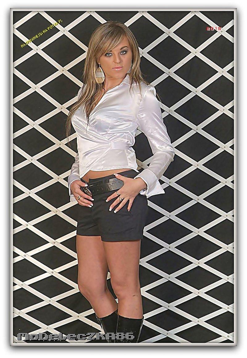 najseksowniejsza dziewczyna grupy - NAJPIĘKNIEJSI  NA WWW.FOTKA.PL - zdjęcie 5