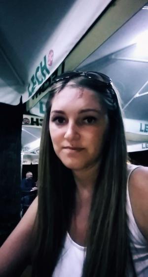 Spotykasz się z dziewczyną znacznie młodszą od ciebie
