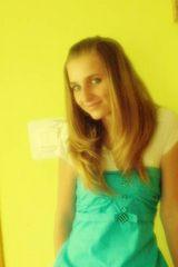 Dziesitki kobiet o niebieskich oczach w Morawicy na randk