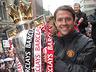 Mistrzowska parada United na ulicach Manchesteru - MANCHESTER UNITED - OD KOŁYSKI AŻ PO GRÓB - zdjęcie 70801138