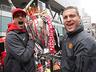 Mistrzowska parada United na ulicach Manchesteru - MANCHESTER UNITED - OD KOŁYSKI AŻ PO GRÓB - zdjęcie 70801154